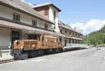 Foto und elektronische Grußkarte vom Rhätischen Krokodil 407 vor dem Bahnmuseum Albula<br />