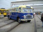 Foto und elektronische Grußkarte vom Oldtimerbus Ikarus 311 in Dresden