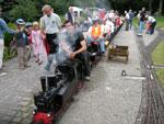 Foto und elektronische Gru�karte von der Doppeltraktion beim Dampfbahnclub Vellmar