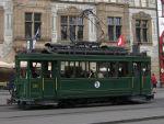 Foto und elektronische Grußkarte von der Historischen Straßenbahn 215 am Barfüßerplatz in Basel