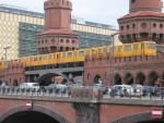 Foto und Gru�karte von einer Berliner U-Bahn auf der Oberbaumbr�cke